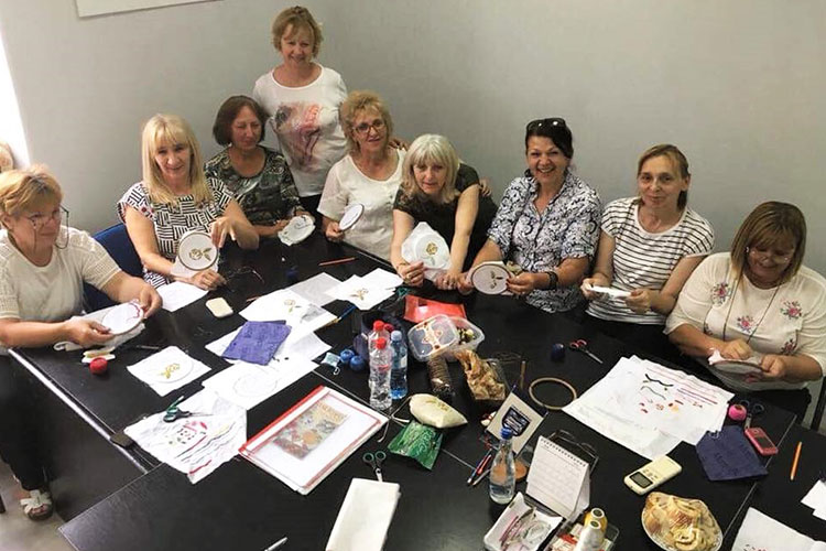 Training in embroidery and gold-thread embroidery in Loznica